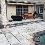 Kalahari Paver with Charcoal coping