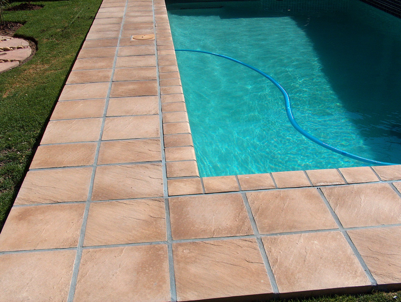 Pool paving patio paving services sa paving for Pool design johannesburg